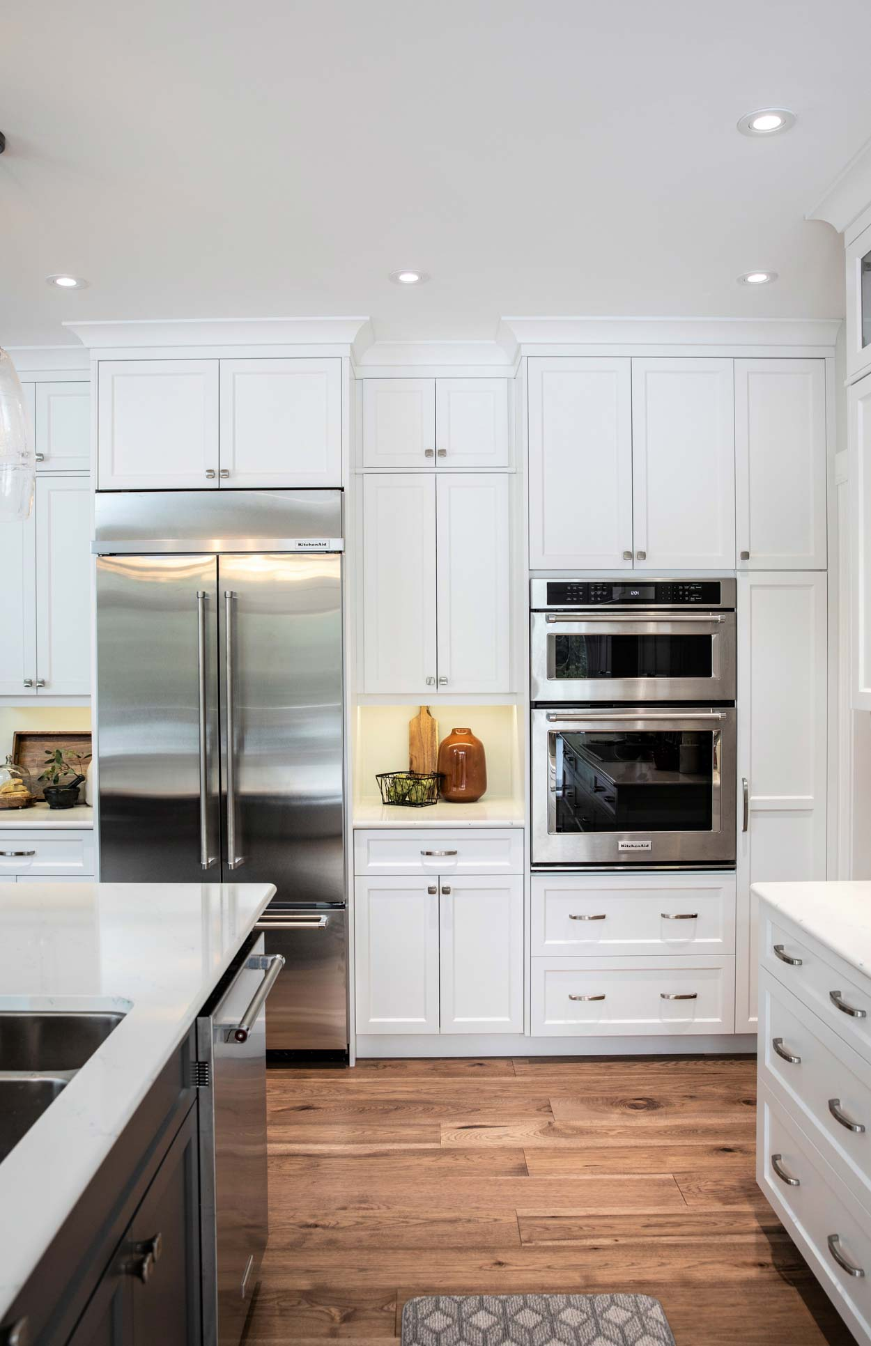 century-revival-interior-design-lighting