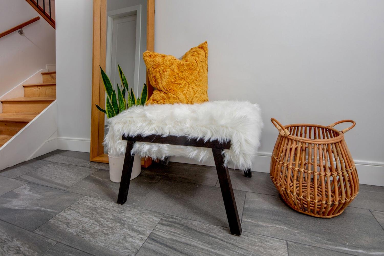 bench-pillow-fur-basket