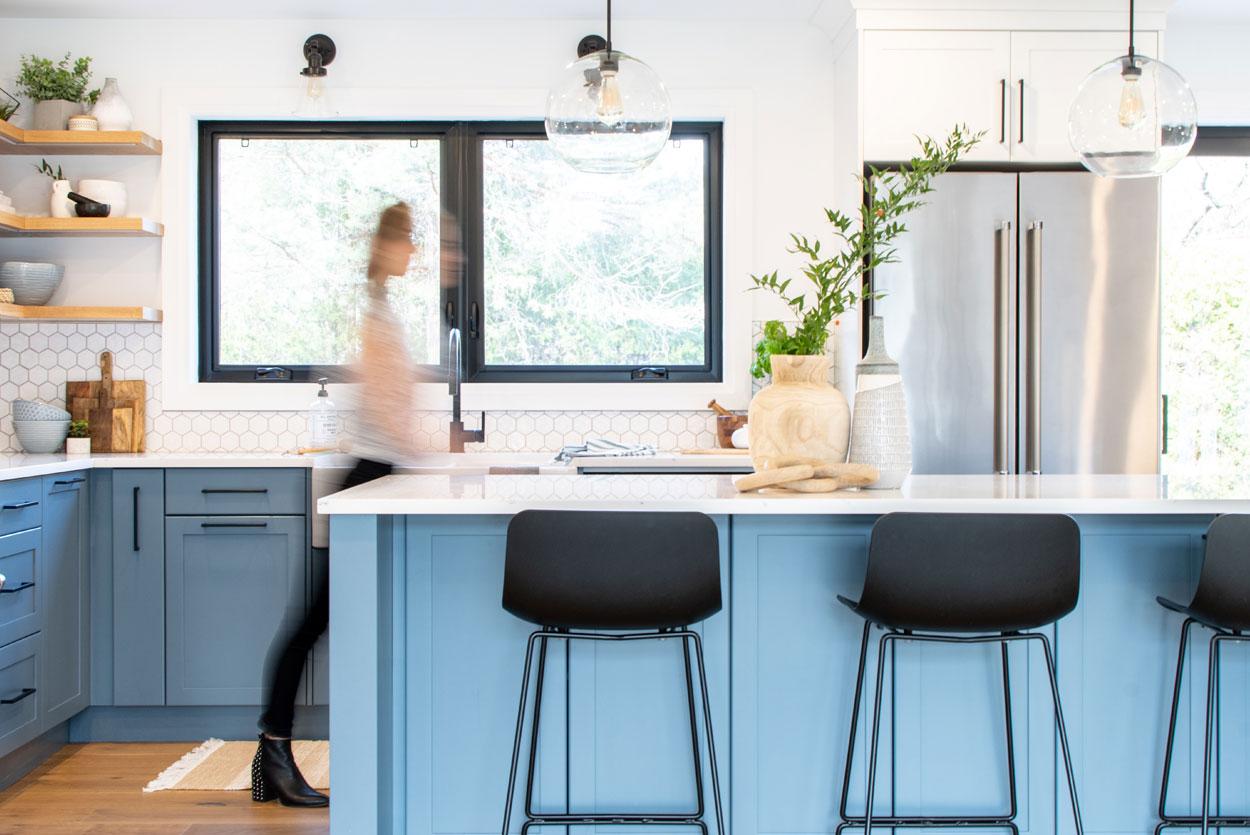 blue-kitchen-white-hex-3
